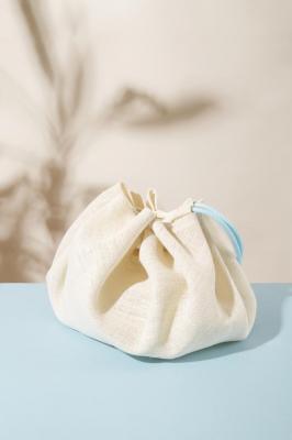Baluchon en tissu et corde